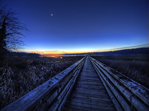 washingtonstate pacificnorthwest hoodcanal thelerwetlands sunset boardwalk crescentmoonvenus