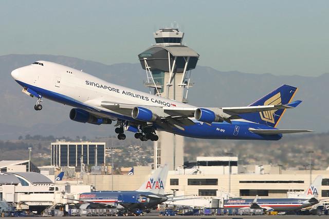 9V-SFE SINGAPORE AIRLINES 747F