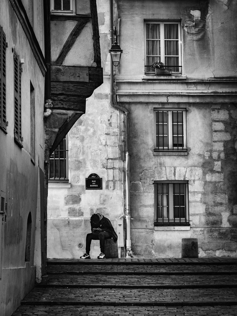 Silhouette rue des barres... 49611044577_8c9eb8b66f_b