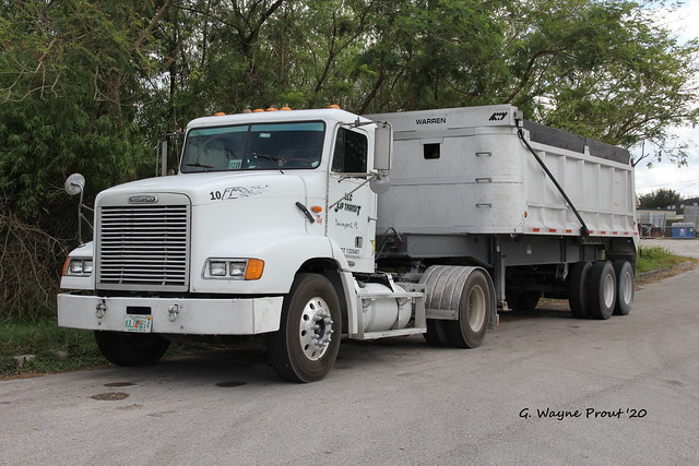 2000 Freightliner FLD-112 Single Axle Day Cab Tractor with Warren Dump Trailer