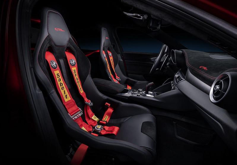 AlfaRomeo-Giulia-GTA-GTAm (15)