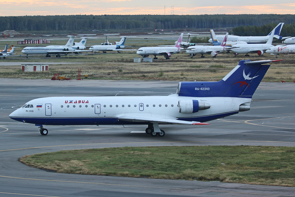 RA-42343, Yakolev Yak-42, Izhavia Airlines, Moscow Domodedovo