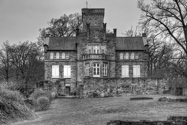 Ruine Isenburg // Landhaus Custodis