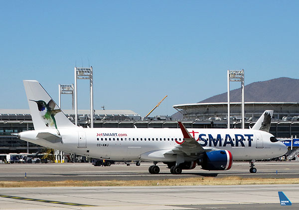JetSMART A320neo CC-AWJ taxi SCL (RD)