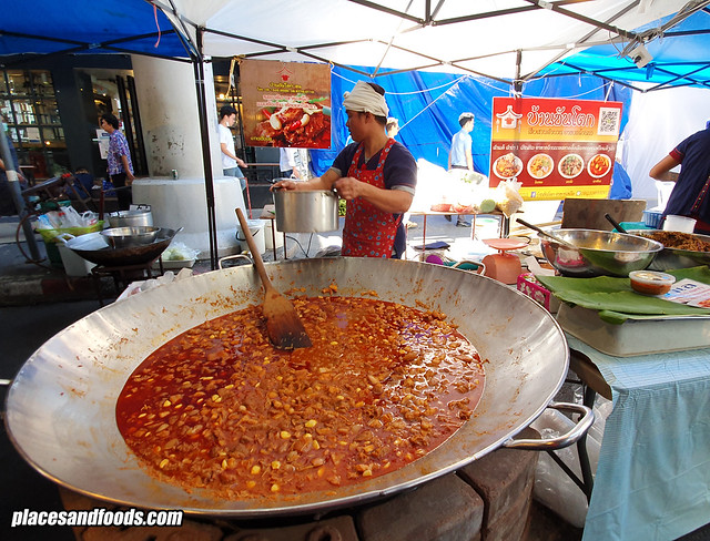silom walking street food