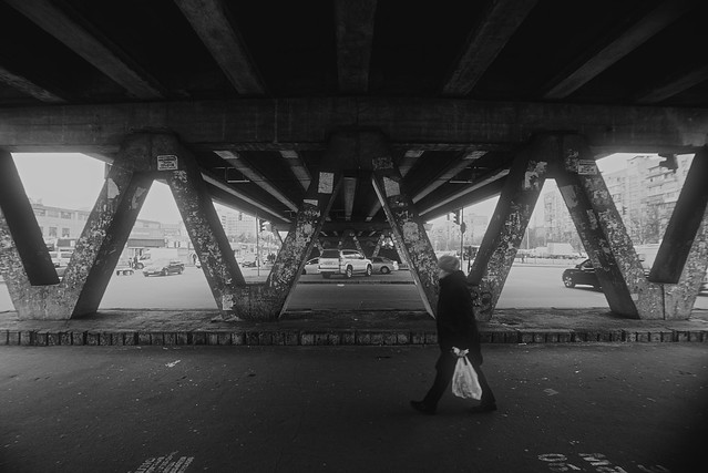 Под мостом / Under the bridge
