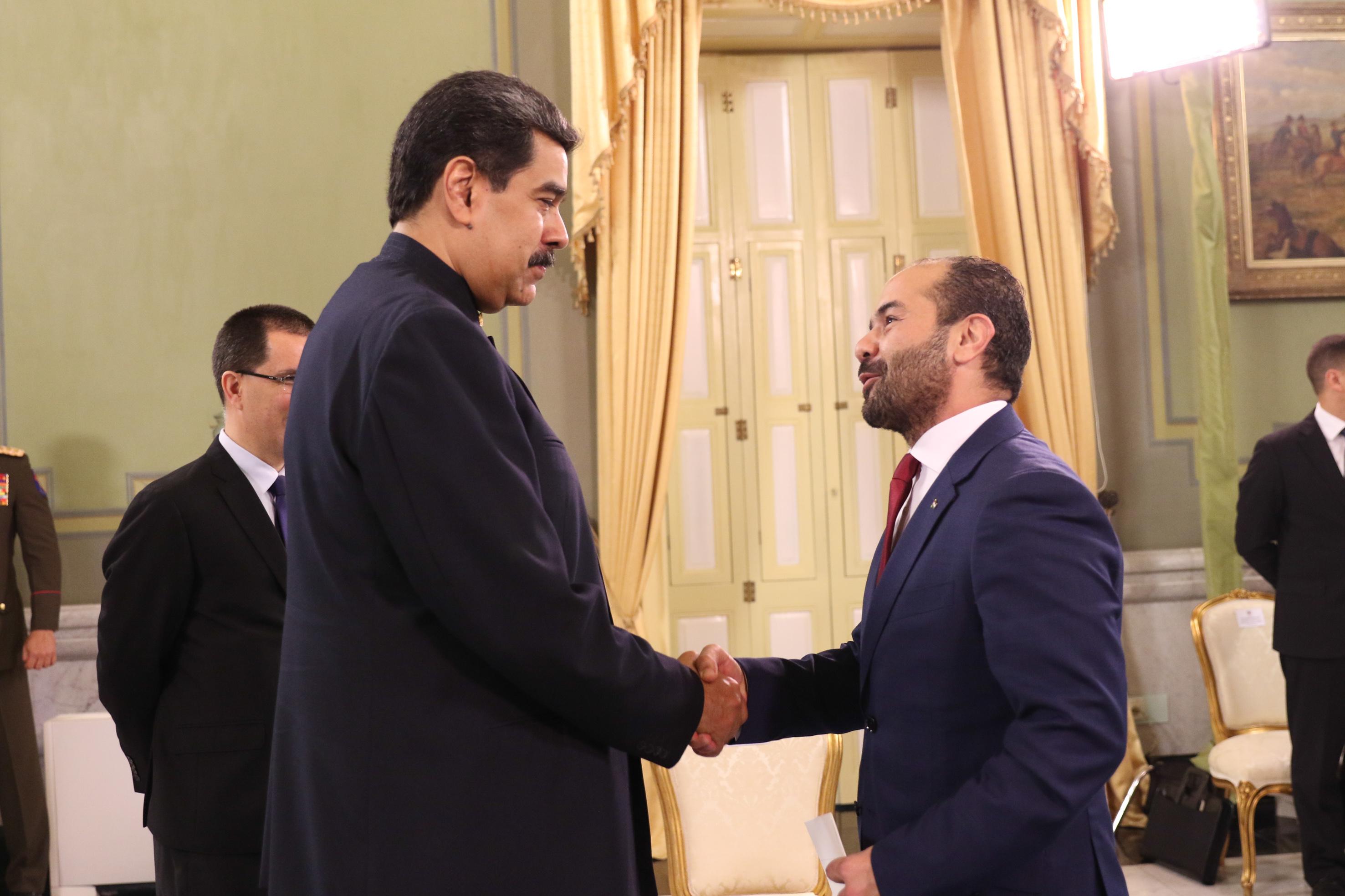 Presidente Maduro recibe cartas credenciales del Embajador de Palestina