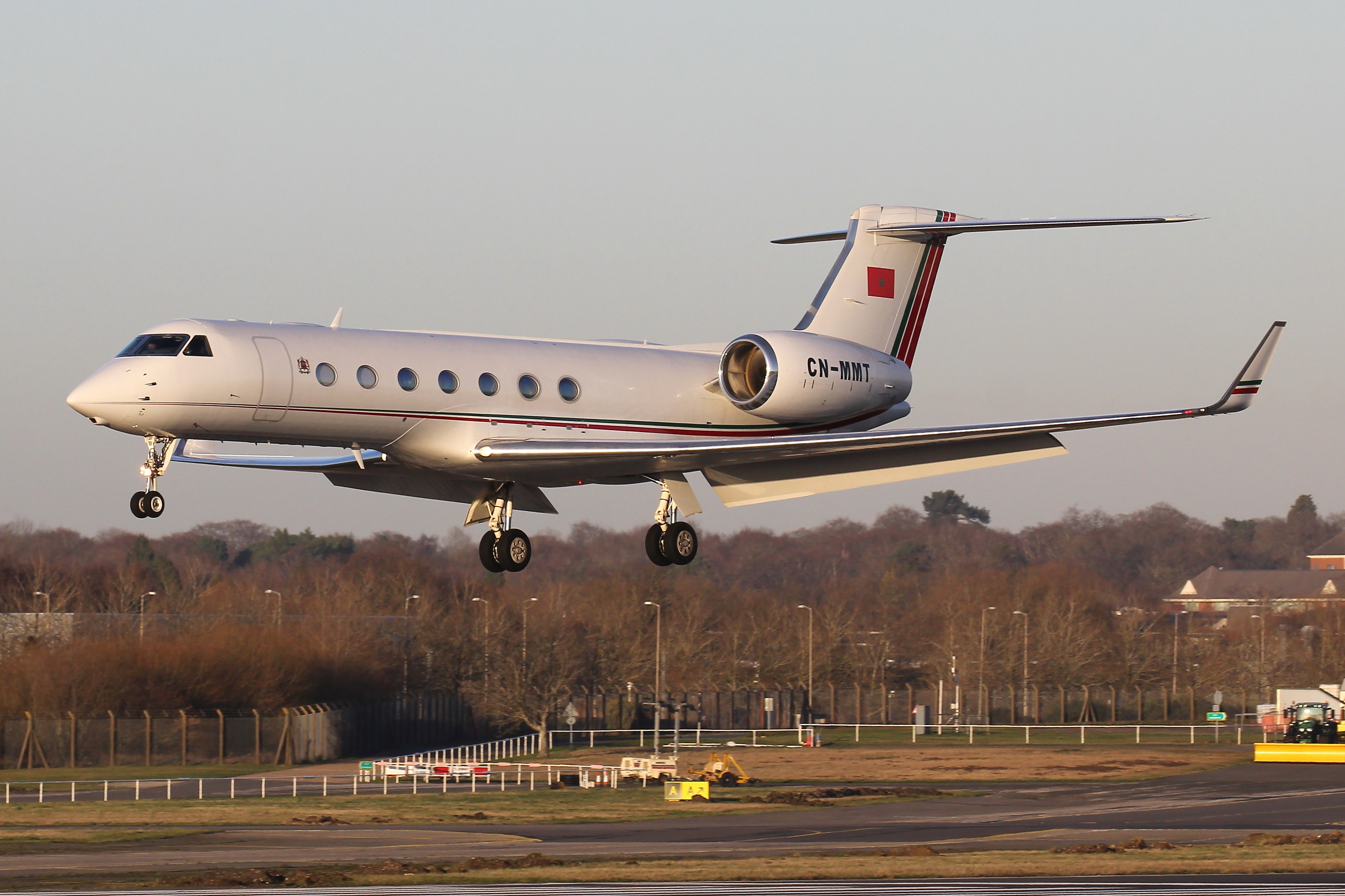 FRA: Avions VIP, Liaison & ECM - Page 24 49614146573_1e67a32cc7_o_d
