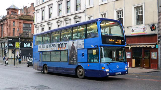 36022 SN05HWE First Midland Bluebird
