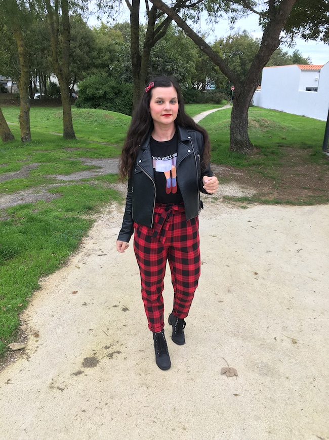 look-grunge-perfecto-pantalon-tartan-blog-mode-la-rochelle