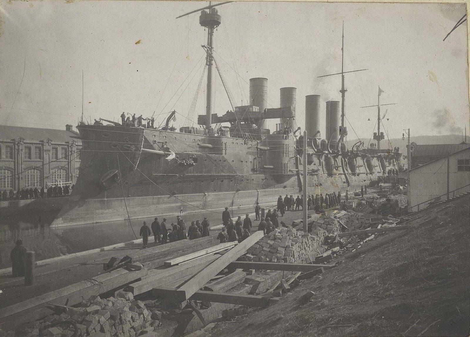 07. Корабль в порту