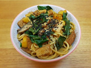 Fresh Pineapple-Noodle Stir-Fry
