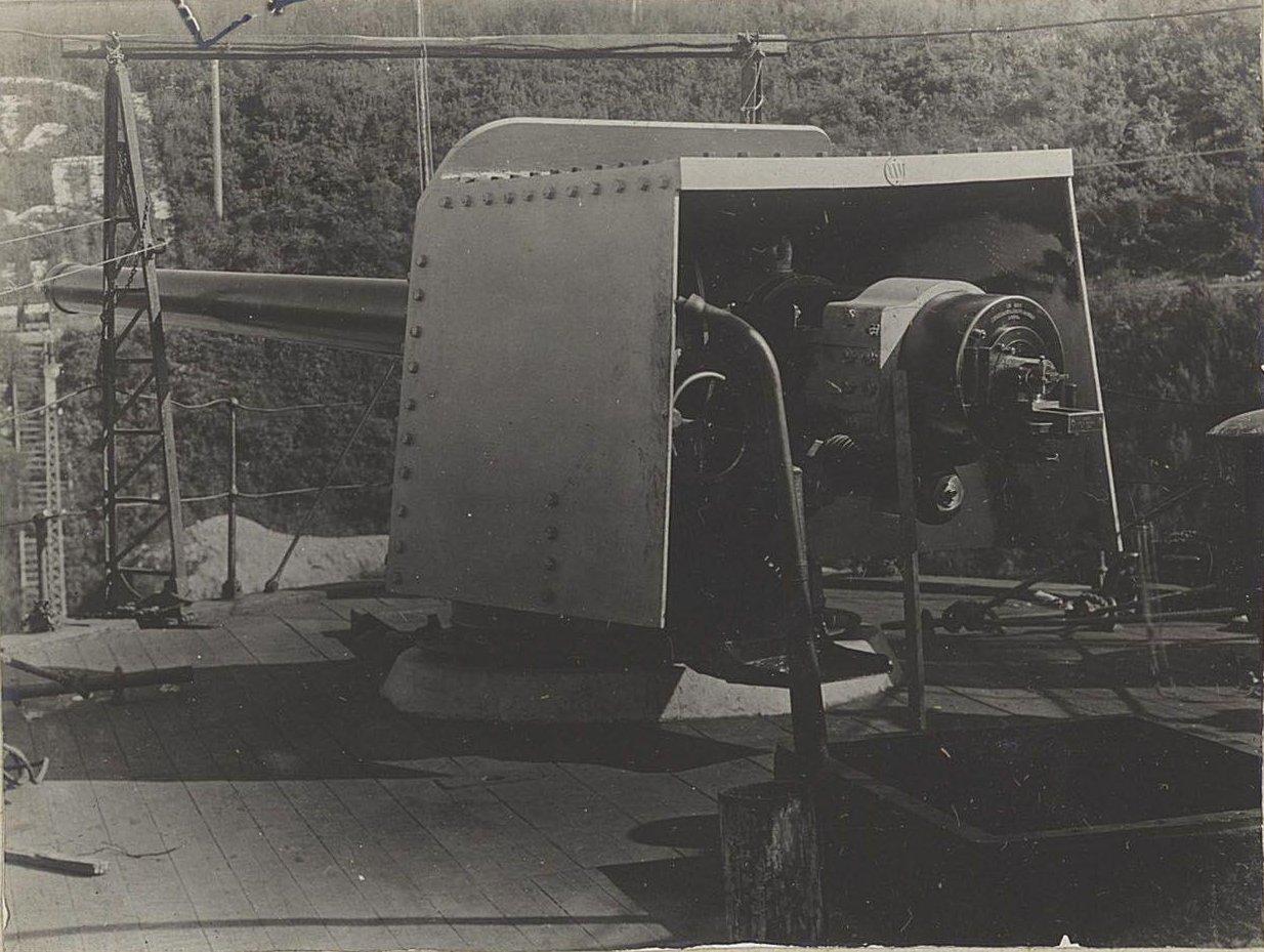 24. Корабельное орудие