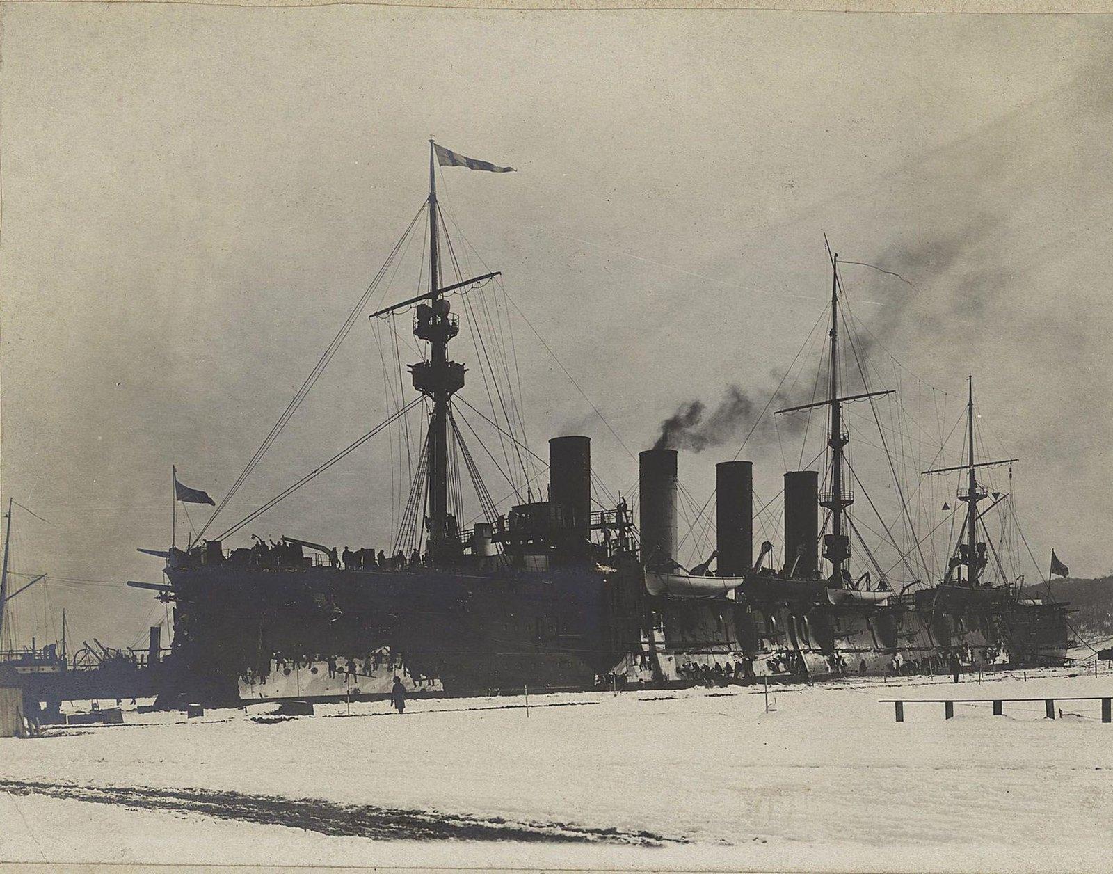 14. Один из крейсеров отряда