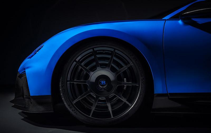 Bugatti-Chiron-Pur-Sport (14)