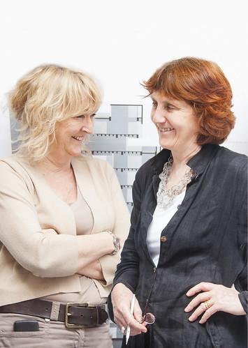Yvonne Farrell 與 Shelley McNamara 合影, photo courtesy of Alice Clancy