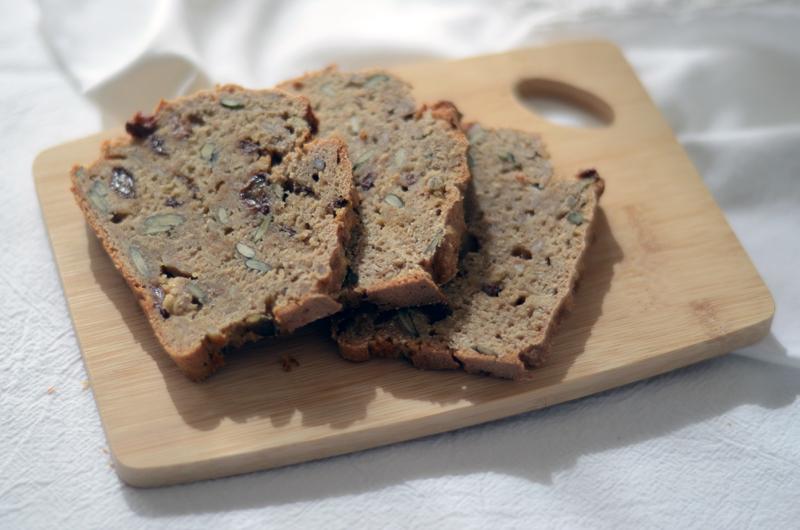 Pão rápido de centeio e sementes + Infusões com História