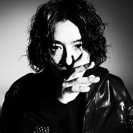 映画『COMPLY+-ANCE』齊藤工監督 ©Takumi Saitoh
