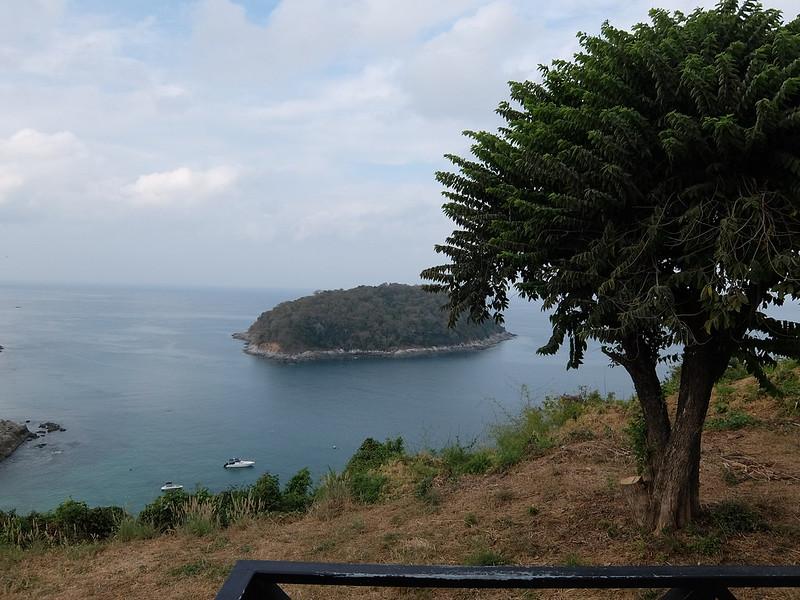 Пхукет - Остров и дерево