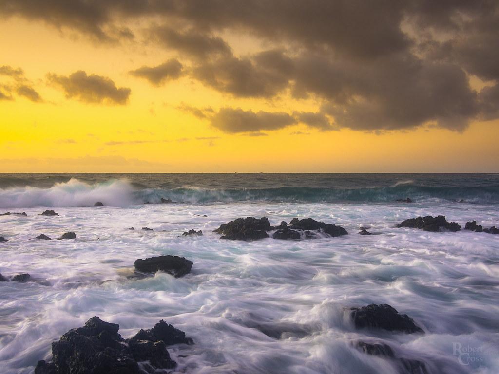 Wawamalu Sunrise Surf