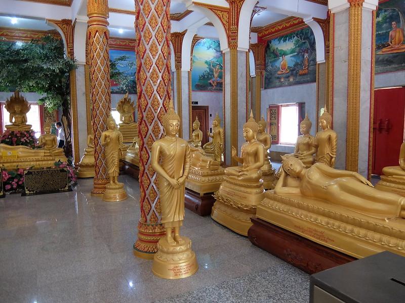 Пхукет - Ват Чалонг - Статуи Будды