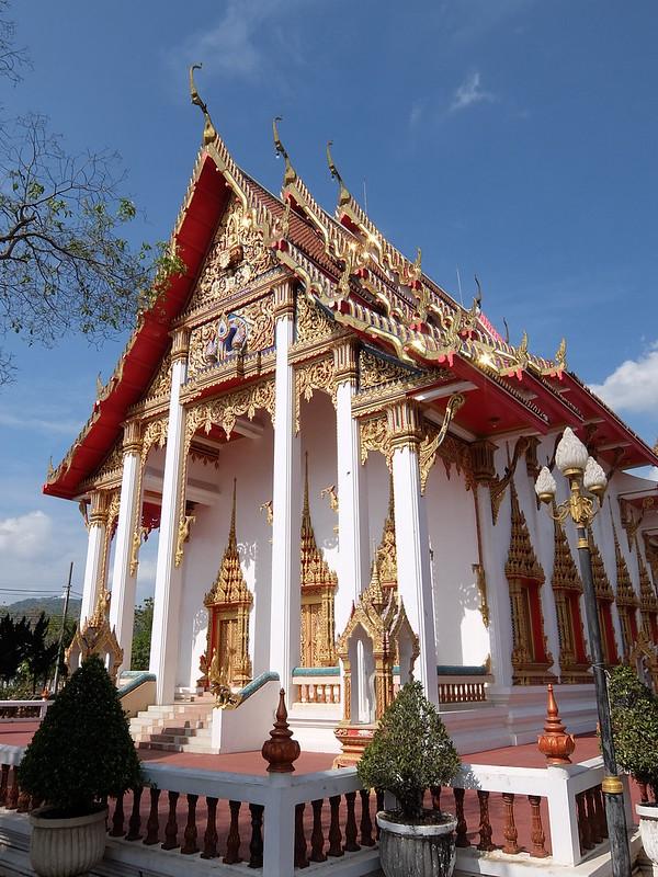 Пхукет - Здание в храмовом комплексе Ват Чалонг