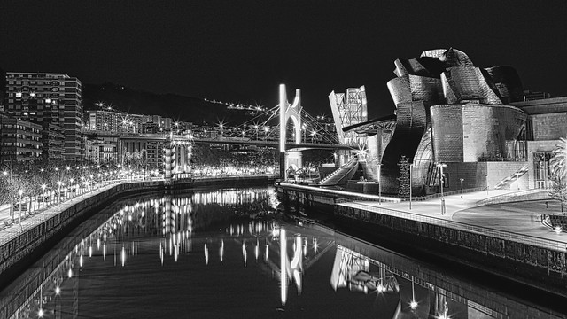 Guggenheim along the Nervion river. Bilbao, Spain