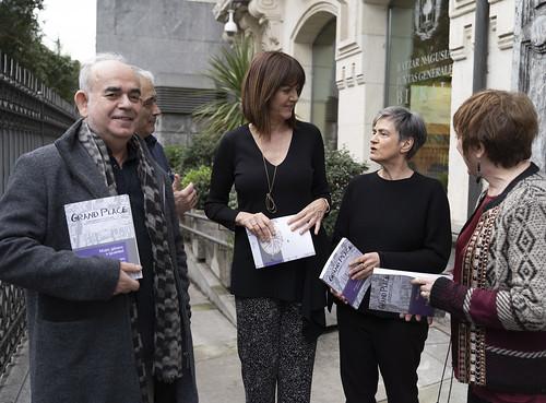 Idoia Mendia acude a la presentación de la revista Grand Place