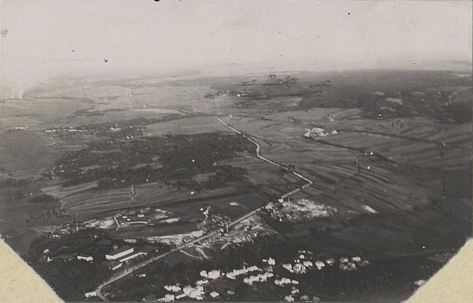 1914. Город Злочев, снятый с аэроплана. Застава Собесская. Галиция.