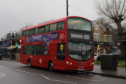 London United VH45124 on Route E3, Turnham Green Station