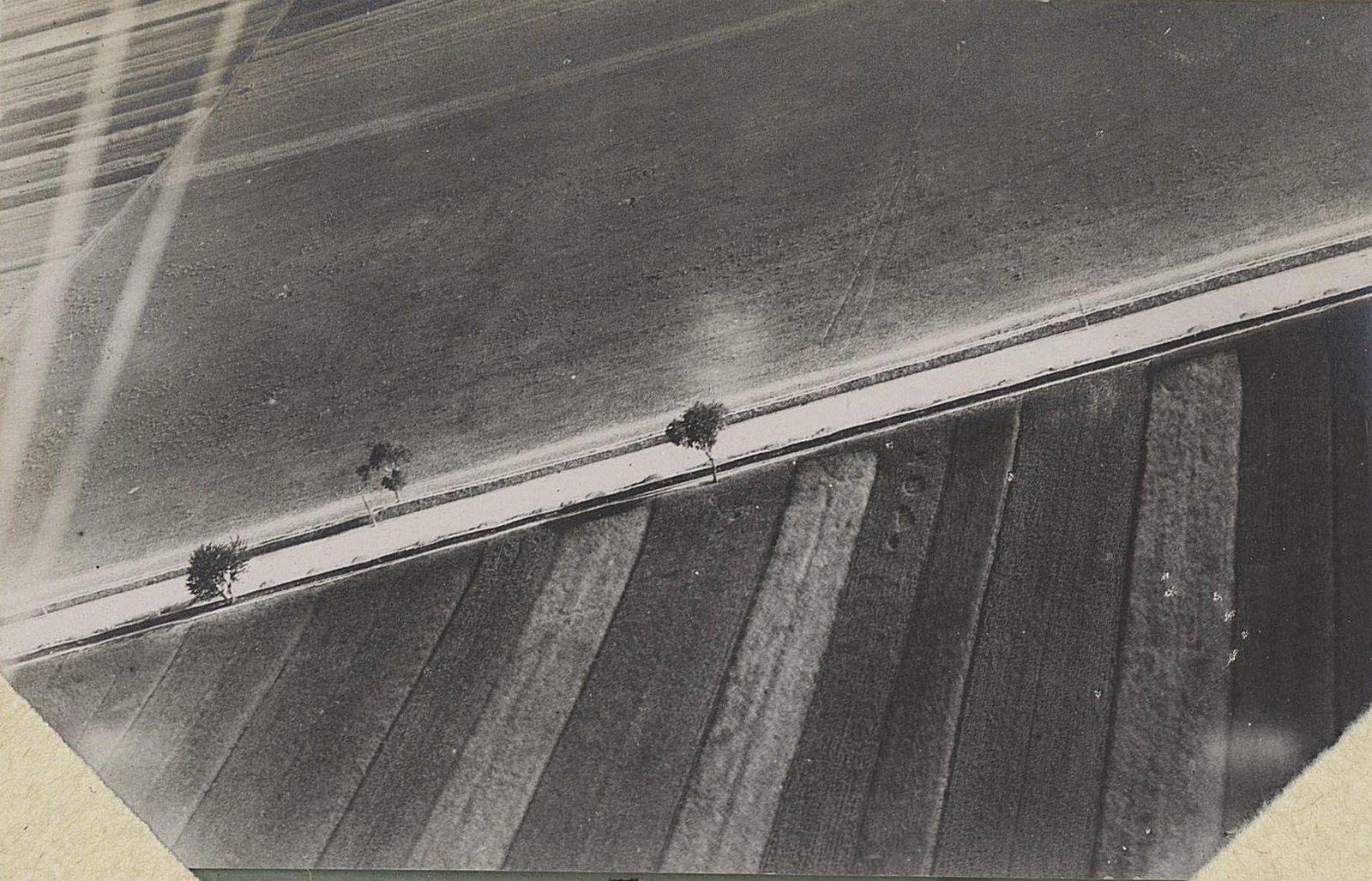 1915. Город Злочев, снятый с аэроплана. Дорога на Броды. Галиция.
