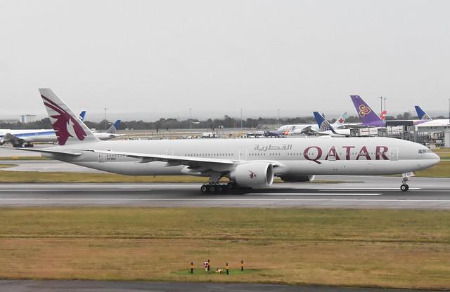 Qatar Airways A7-BED Boeing 777-3DZ(ER)