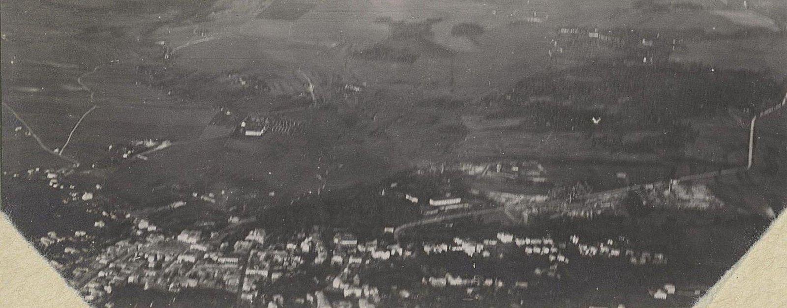 1914. Город Злочев, снятый с аэроплана. Дорога на Броды. Галиция