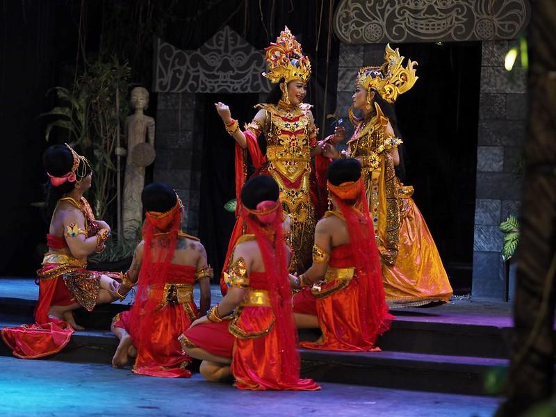 Tampil Perdana, Sendratari Sang Hanoman Memukau PengunjungThe Waroeng of  Raminten Kaliurang (2)