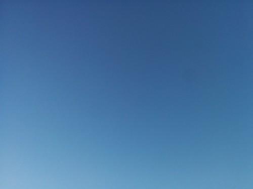 Blue morning sky to the north #toronto #dovercourtvillage #dupontstreet #morning #blue #sky #derekjarman #dlws