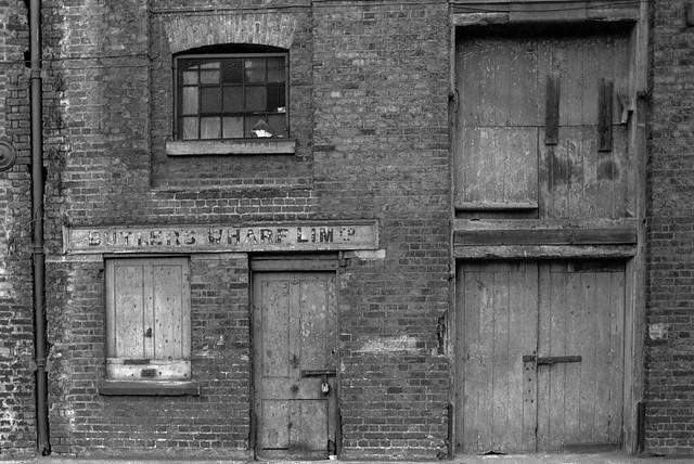 Butler's Wharf Ltd, Shad Thames, Bermondsey, Southwark 34f-25: wharf