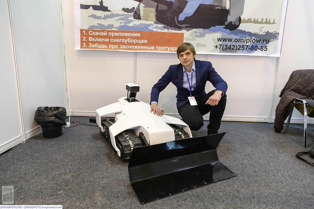 Арнольд Шварценеггер подал в суд на российского производителя роботов 12