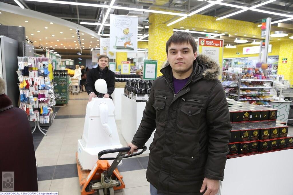 Арнольд Шварценеггер подал в суд на российского производителя роботов 10