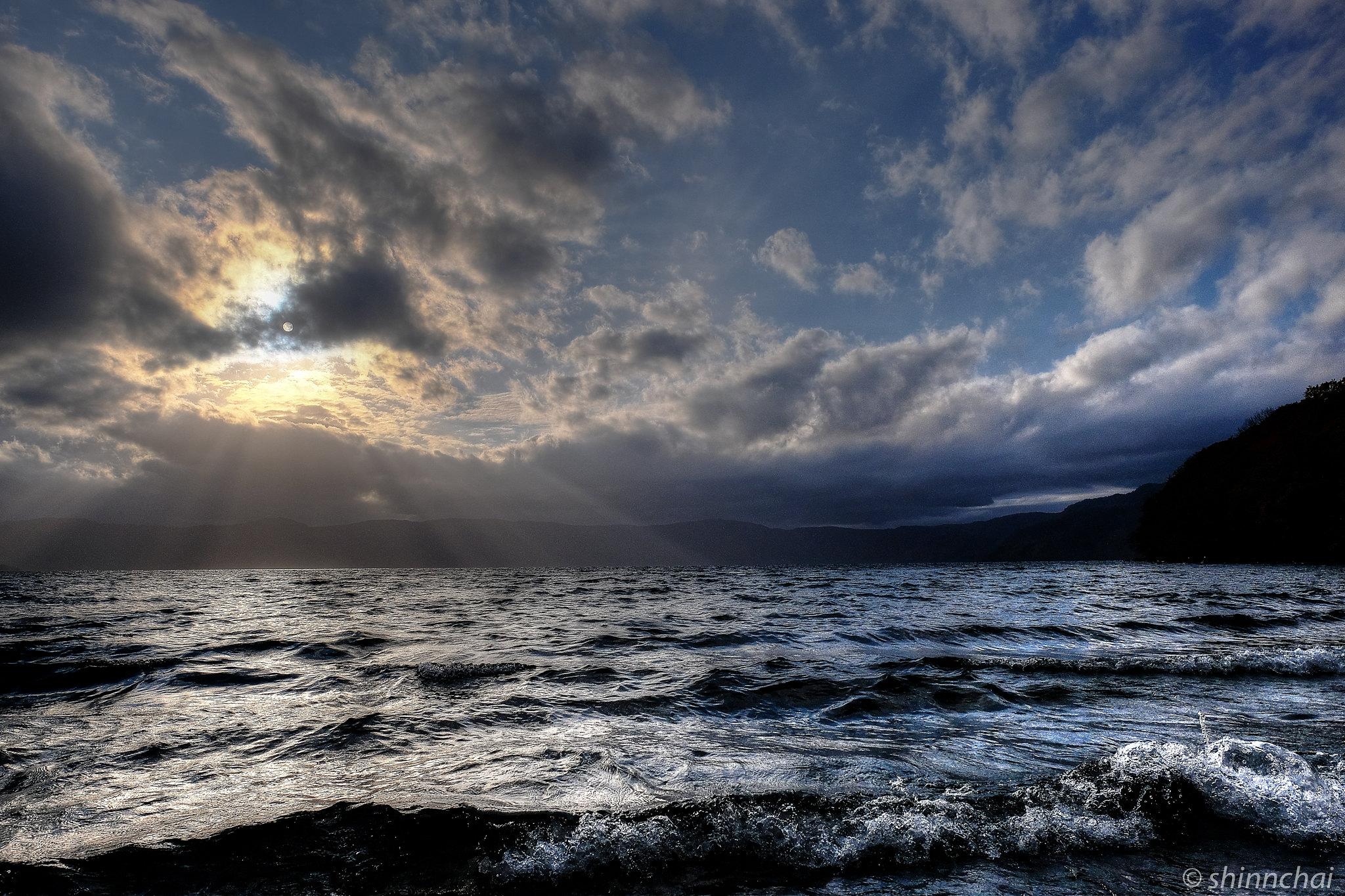 ズームレンズ 単焦点レンズ 比較画像 旅行 青森 十和田湖
