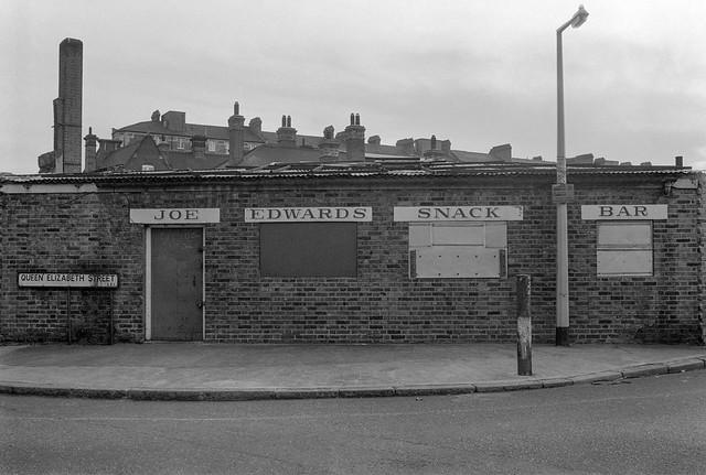 Joe Edwards Snack Bar, Queen Elizabeth St, Bermondsey, Southwark 34f-21: cafe,