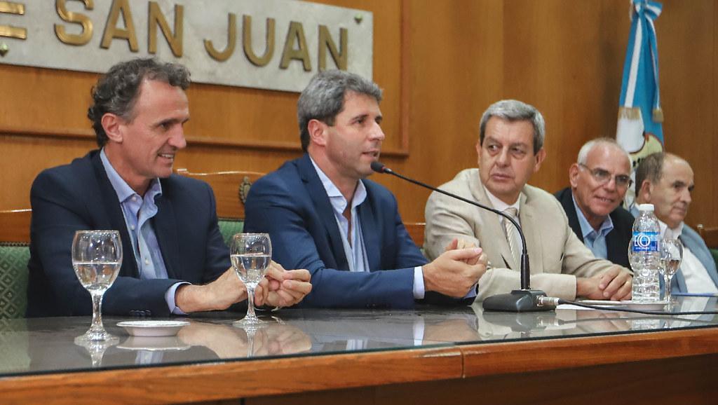 2020-03-05 PRENSA: Firma de Convenios entre el Ministerio de Obras Públicas de Nación, y departamentos