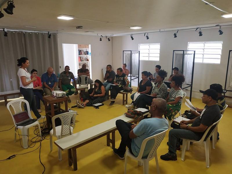Reunião com a equipe de entrevistadores da pesquisa de avaliação de impacto do Projeto Varre Vila. 04/02/2020.