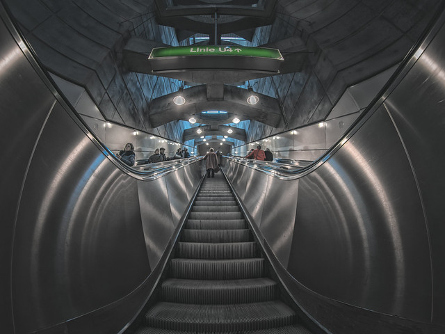 Stairs to the line 4