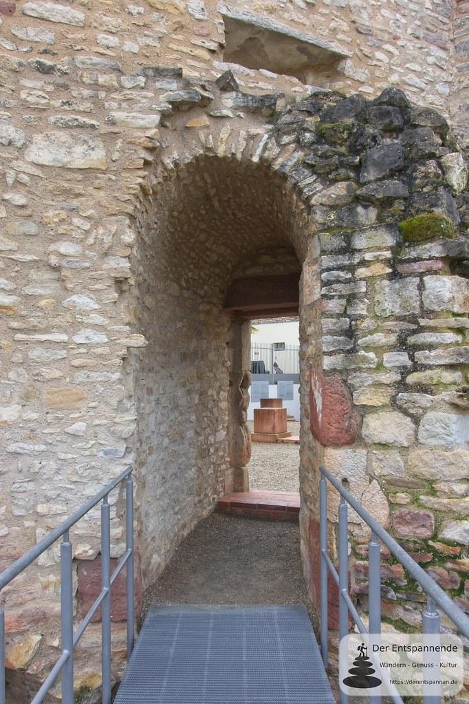 Freigelegter Seitendurchgang Heidesheimer Tor (Kaiserpfalz Ingelheim)