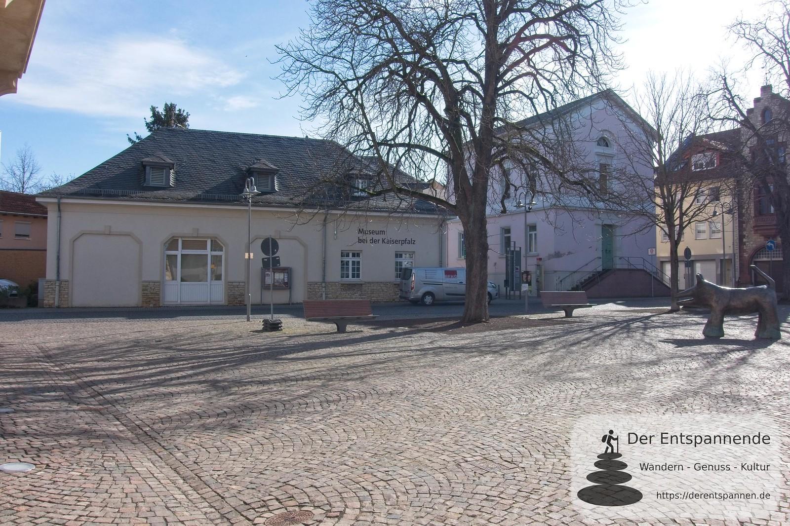 François-Lachenal-Platz: Museum bei der Kaiserpfalz