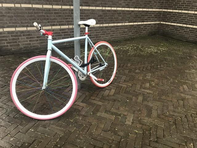 Kinky bike