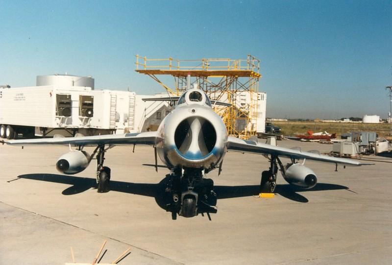 MiG-17F Fresco 1