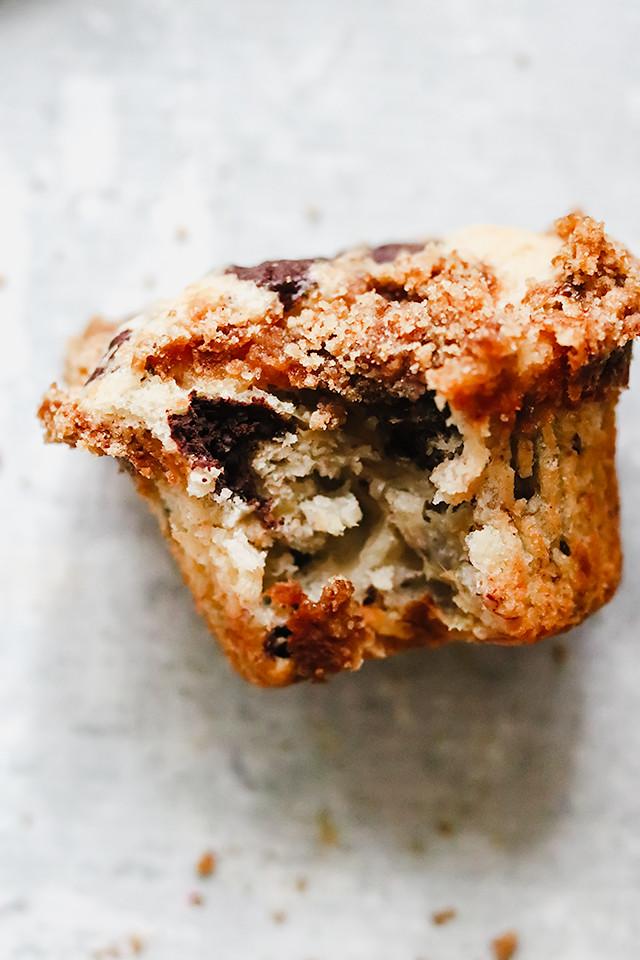 Banana Chocolate Chunk Muffins with Cinnamon Crumble