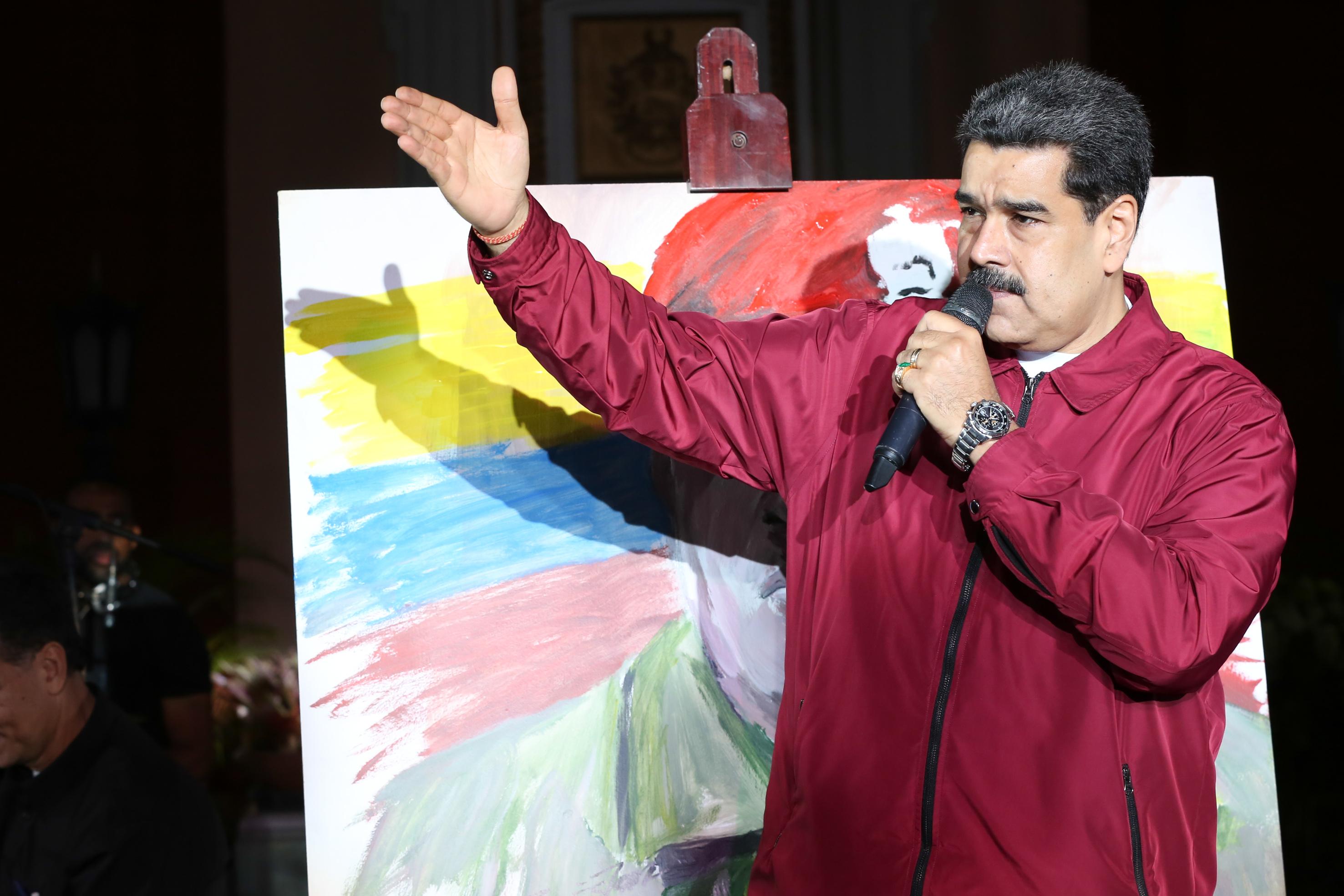 Maduro a EEUU: Se nos han venido mil imperios encima y estamos de pie
