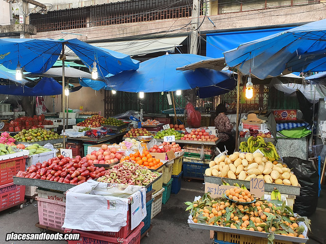 kim yong market fruits stall